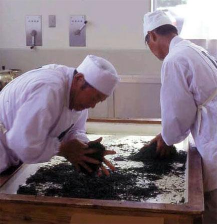 Ручная обработка чая