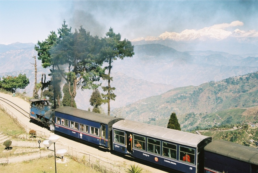 Батасия Луп, Дарджилингская Гималайская железная дорога